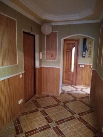 Продажа 2 ком. кв. c атономкой, центр, Грушевского, собственник