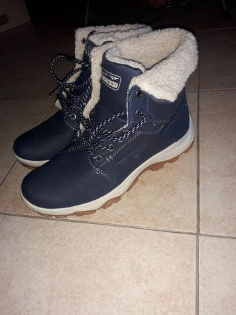 Зимові черевики(чоботи)