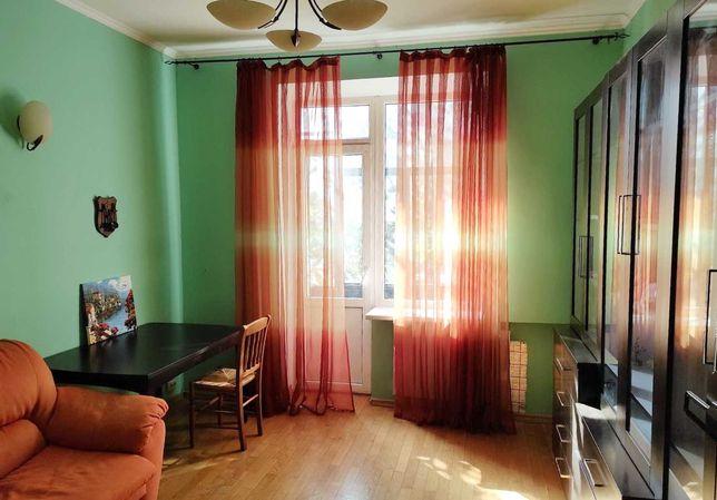 Продам большую 2-к квартиру на Титова/Поля с автономкой. VIP