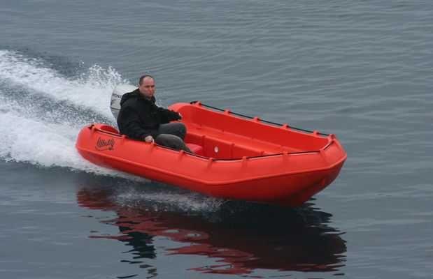 Barco novo em polietileno