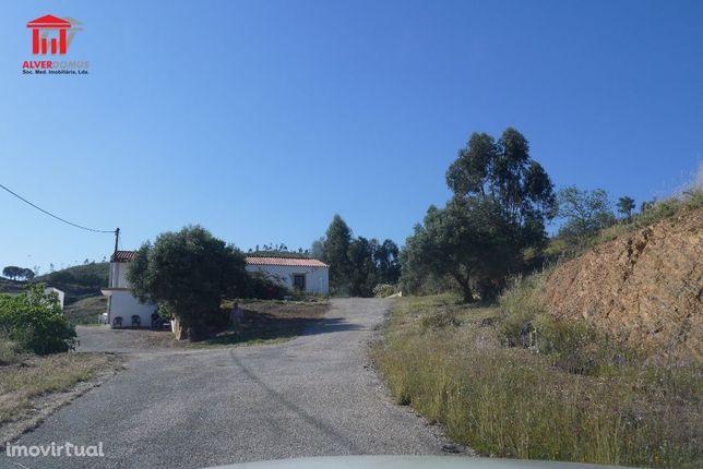 Silves - Lote de terreno com 10 hectares