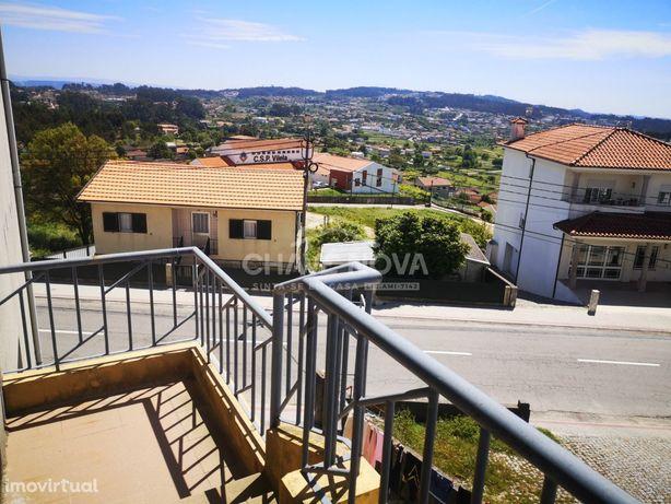 Apartamento T2 em zona habitacional em Vilela - Paredes