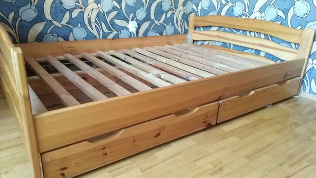 Łóżko do sypialni, sosnowe