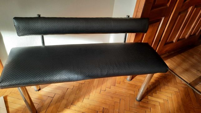 Диванчик банкетка у салон краси кушетка для очікування сидіння диван