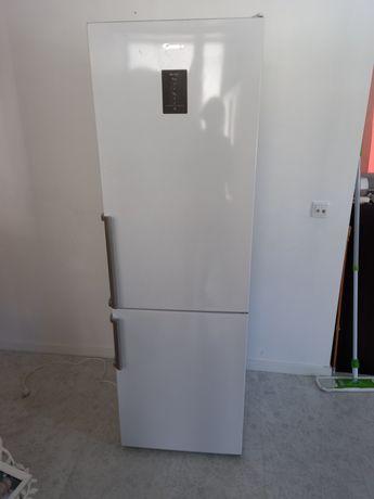 Combinado frigorífico para arranjar.