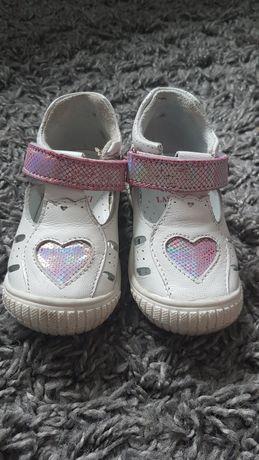 Skórzane  buciki, sandały, lasocki jak nowe
