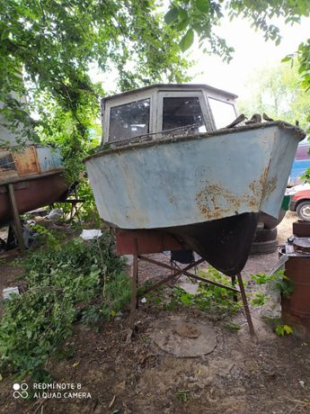 Продам водоизмещающий катер