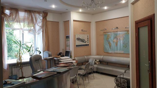 Офис Льва Толстого, ул. Тарасовская 18