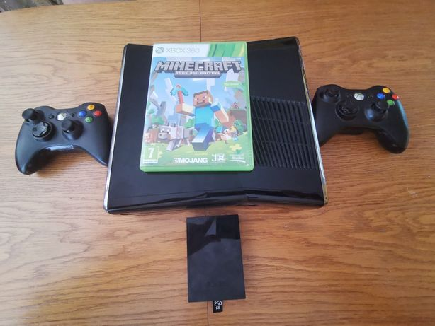 Konsola Xbox 360 Slim używana