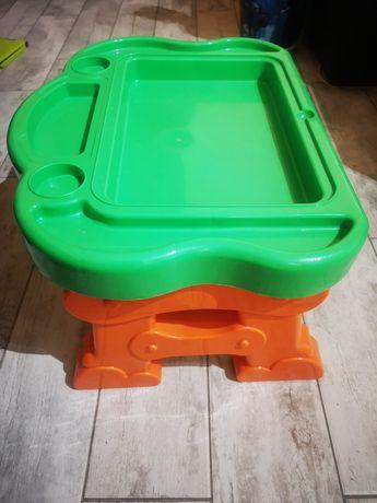Stolik dla dzieci, mały, plastikowy