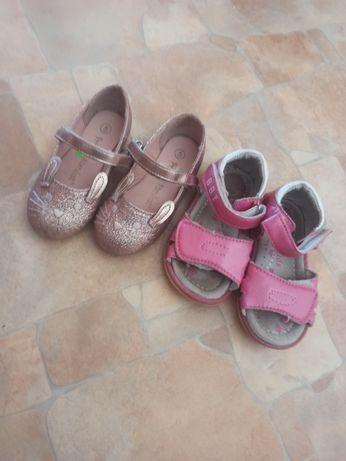 Обувь для девочки ,цена за 2 пары