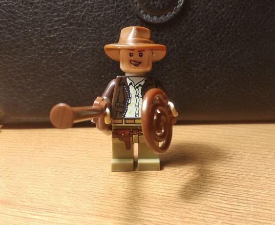 LEGO figurka Indiana Jones podróżnik cowboy