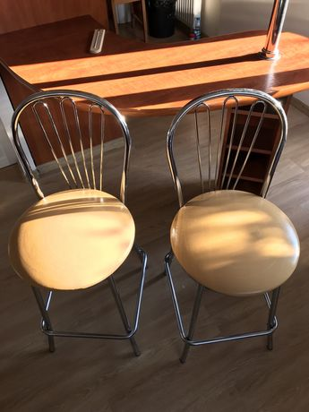 Krzesła barowe 2 sztuki.