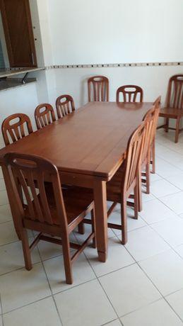 2 Mobilias de quarto casal+ 1 mesa extensível  com 10 cadeiras