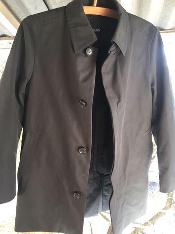 Мужское пальто Hugo Boss.