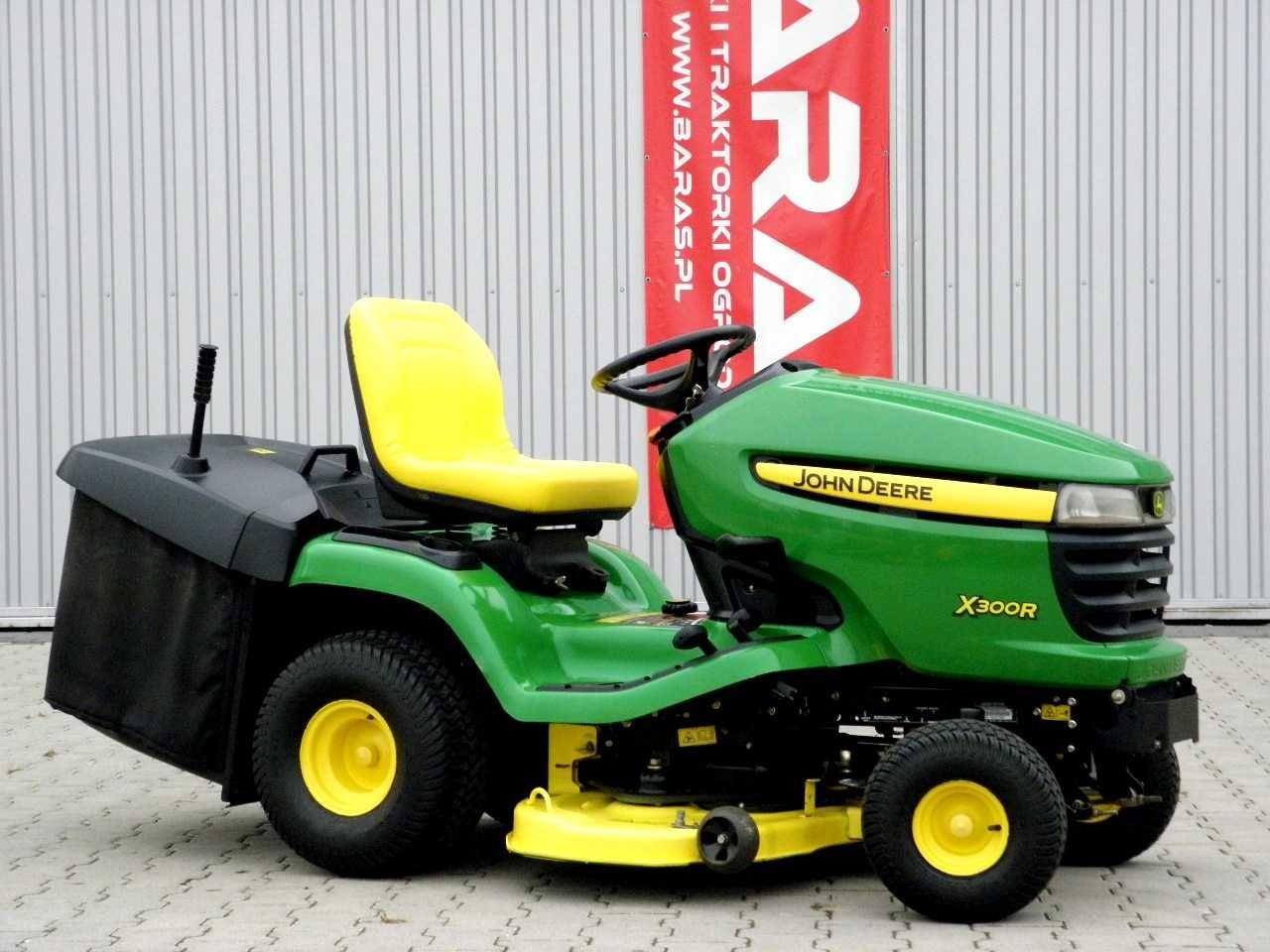 Traktorek kosiarka JOHN DEERE X300R (051004) - Baras