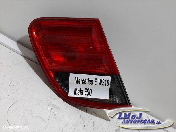 Farolim da mala Esq Usado MERCEDES-BENZ/E-CLASS (W210) 2do modelo -ref: A2108208...