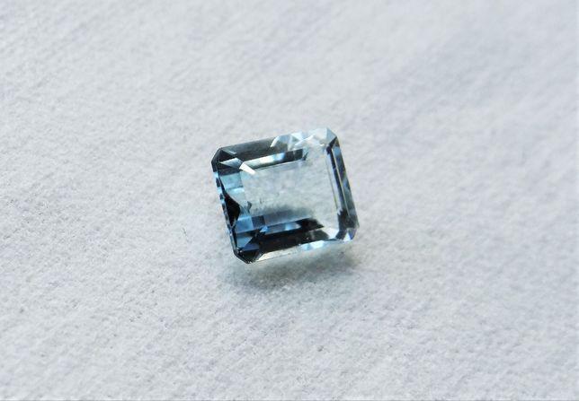 Naturalny Aqamaryn 4,40 carata na złoty pierścionek
