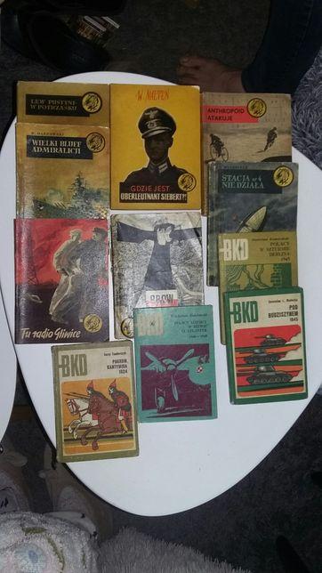 Stare książki Tygrysy i BKD z okresu PRL