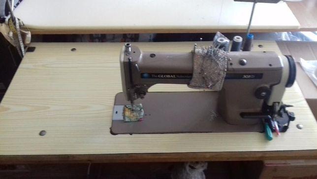 Stębnówka, Maszyna do szycia GLOBAL 305D ze stołem 3 sztuki