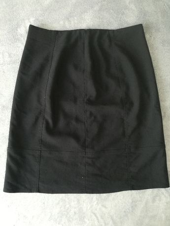 Czarna spódnica