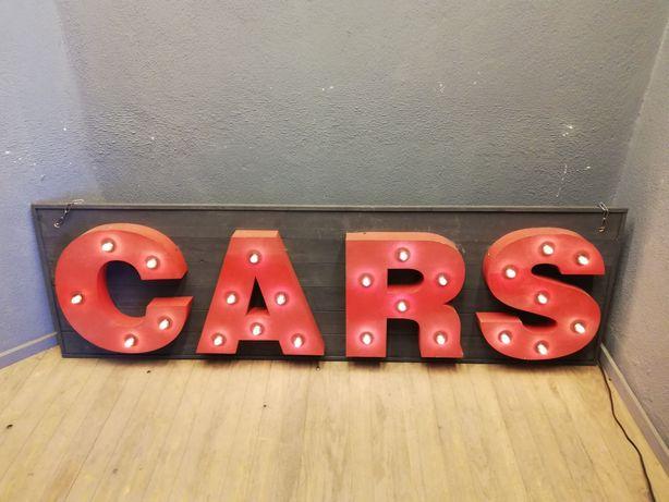 Letras Cars vintage com iluminação