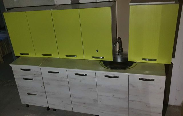 Кухонный гарнитур салатовый/серый