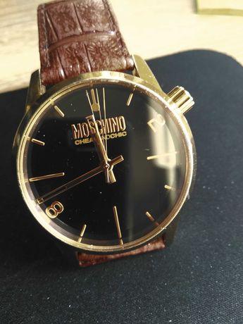 мужские часы Moschino