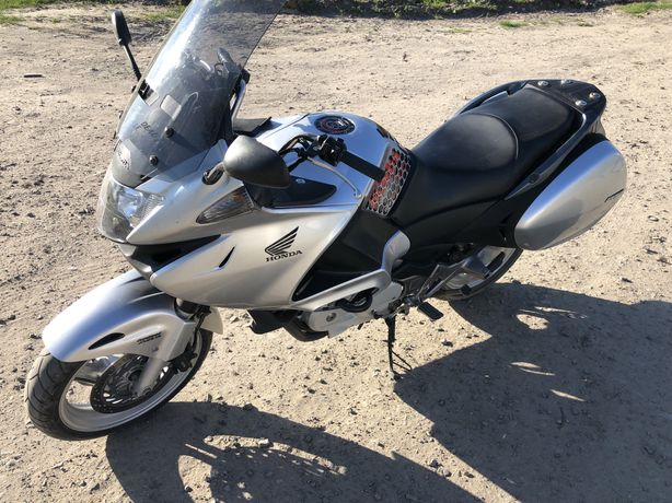 Honda NT700V Deauville