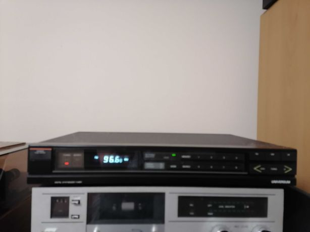Tuner Uniwersum 3 BAND-STEREO-TUNER T 4682 A