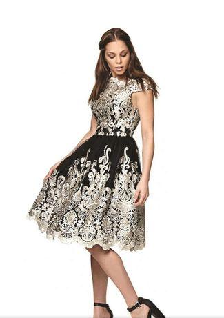 Sukienka chabrowa z haftem rozm.L