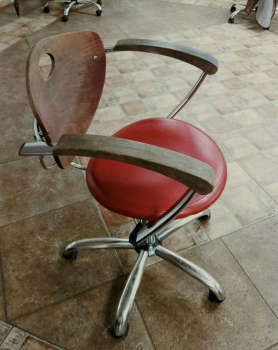 Кресло для парикмахерских, офисов Первомайск - изображение 1