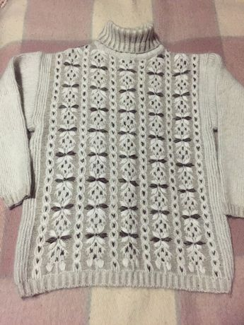 Женский свитер мохеровый