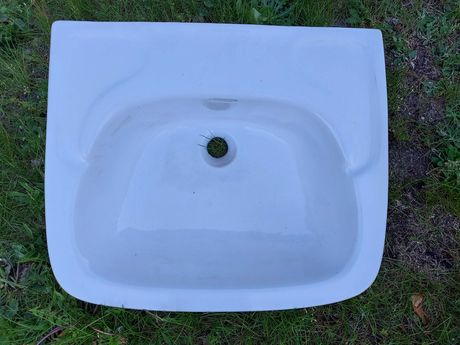 zlew, umywalka łazienkowa