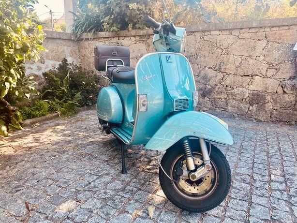 Vespa Piaggio PCX 125 Edição limitada 70 anos