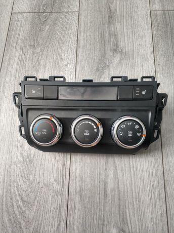 Mazda CX-5, блок управління кондиціонером з кнопками підігріву