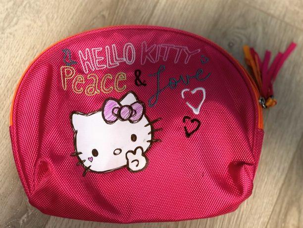 Hello Kitty H&M косметичка
