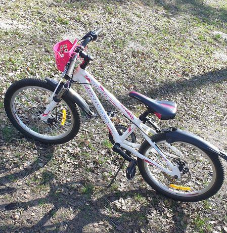 Велосипед. Возраст 6-9 лет