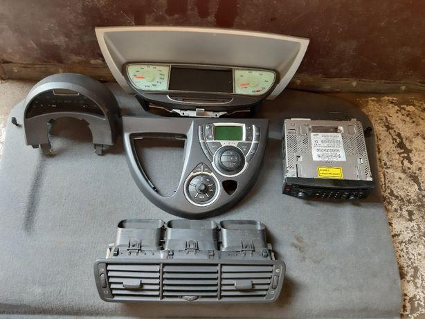 Licznik navi radio cd panel sterowania radia klimatronik peugeot 807