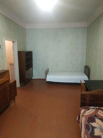 Сдам 2 комнатную гостинку на Баварии