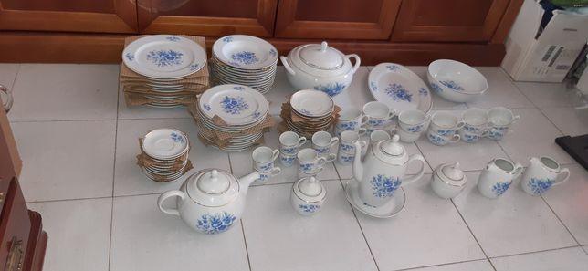 Serviço de jantar e lanche - 95 peças- Porcelana elevada qualidade