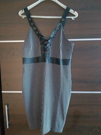 Sukienka paski..