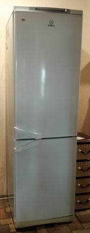 Холодильник Indesit б/у