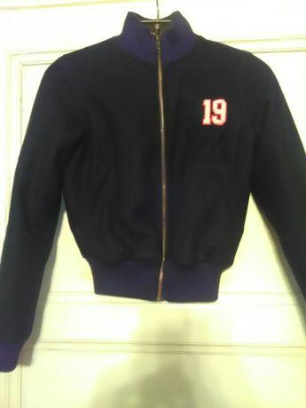 Продаю куртку бомбер на подростка