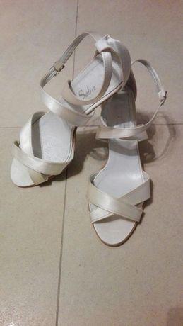 Buty ślubne szpilki atłasowe sandałki na obcasie ecru r.40
