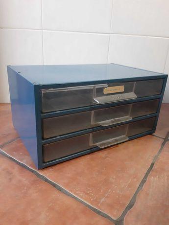 Caixa de arquivo em metal