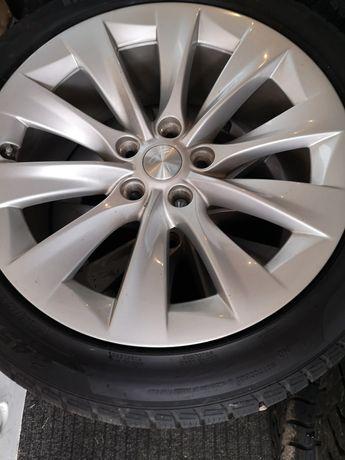 Felgi Tesla S 245/45 /19