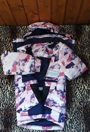 Стильная спортивная  курточка