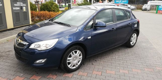 Opel Astra J 1.4 Benzyna 100ps Serwis ASO super Stan!!!