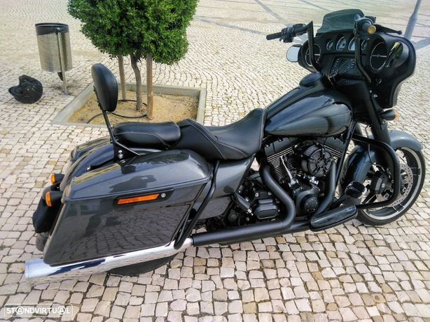Harley-Davidson FLHT  street glide